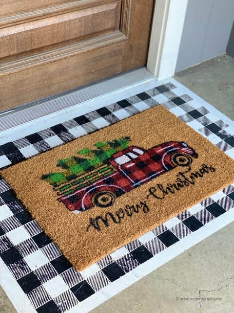 painted-diy-doormat-christmas-red-truck