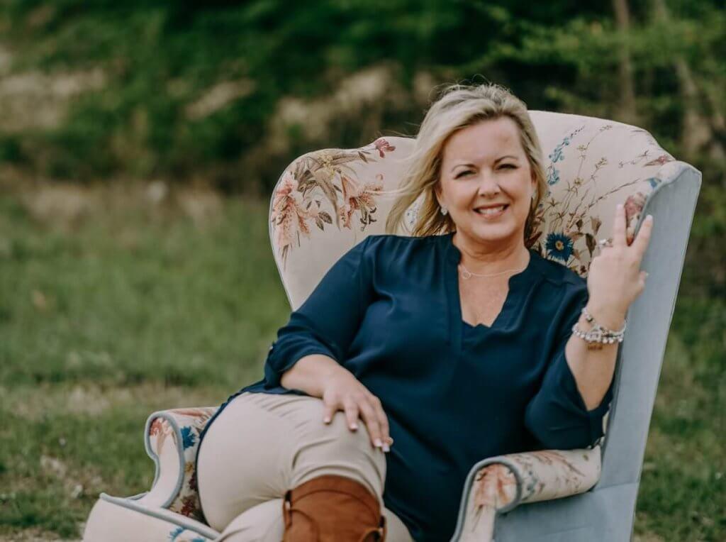 Melanie-Ferguson-bio-photo