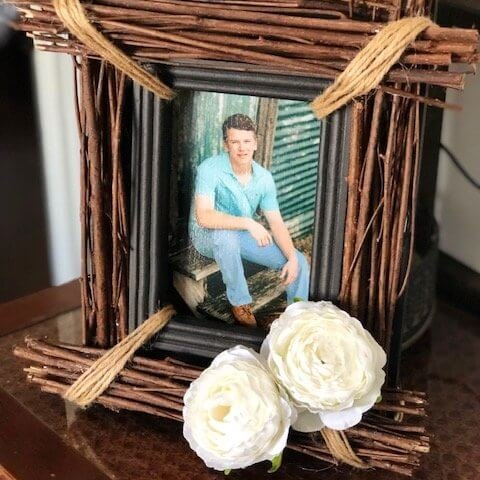 DIY Photo Frame with Stick Supplies Polka Dot Frame (2)