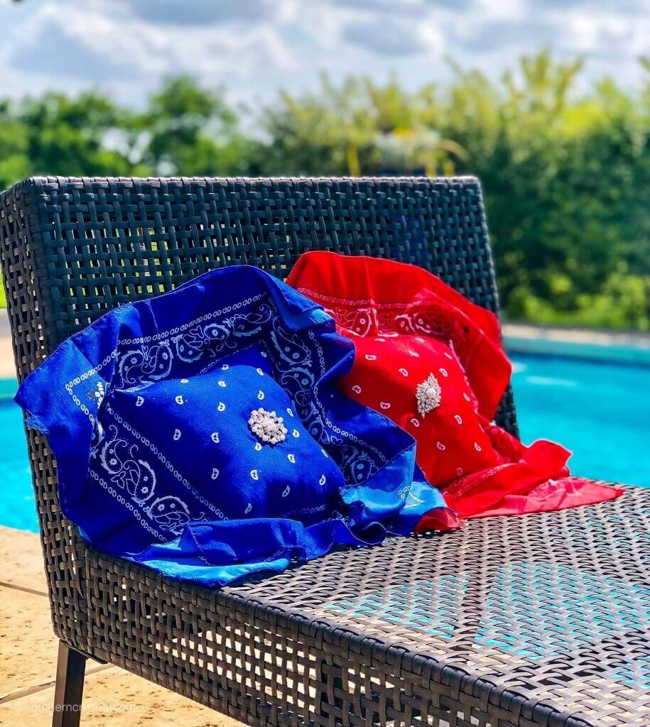 Southern Crush At Home shows you how to make these easy no-sew pillows for blinging up the patio