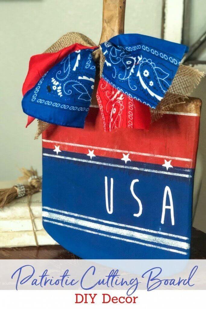 patriotic-cutting-board-decor