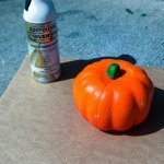 easy-beanie-pumpkins-spray-paint