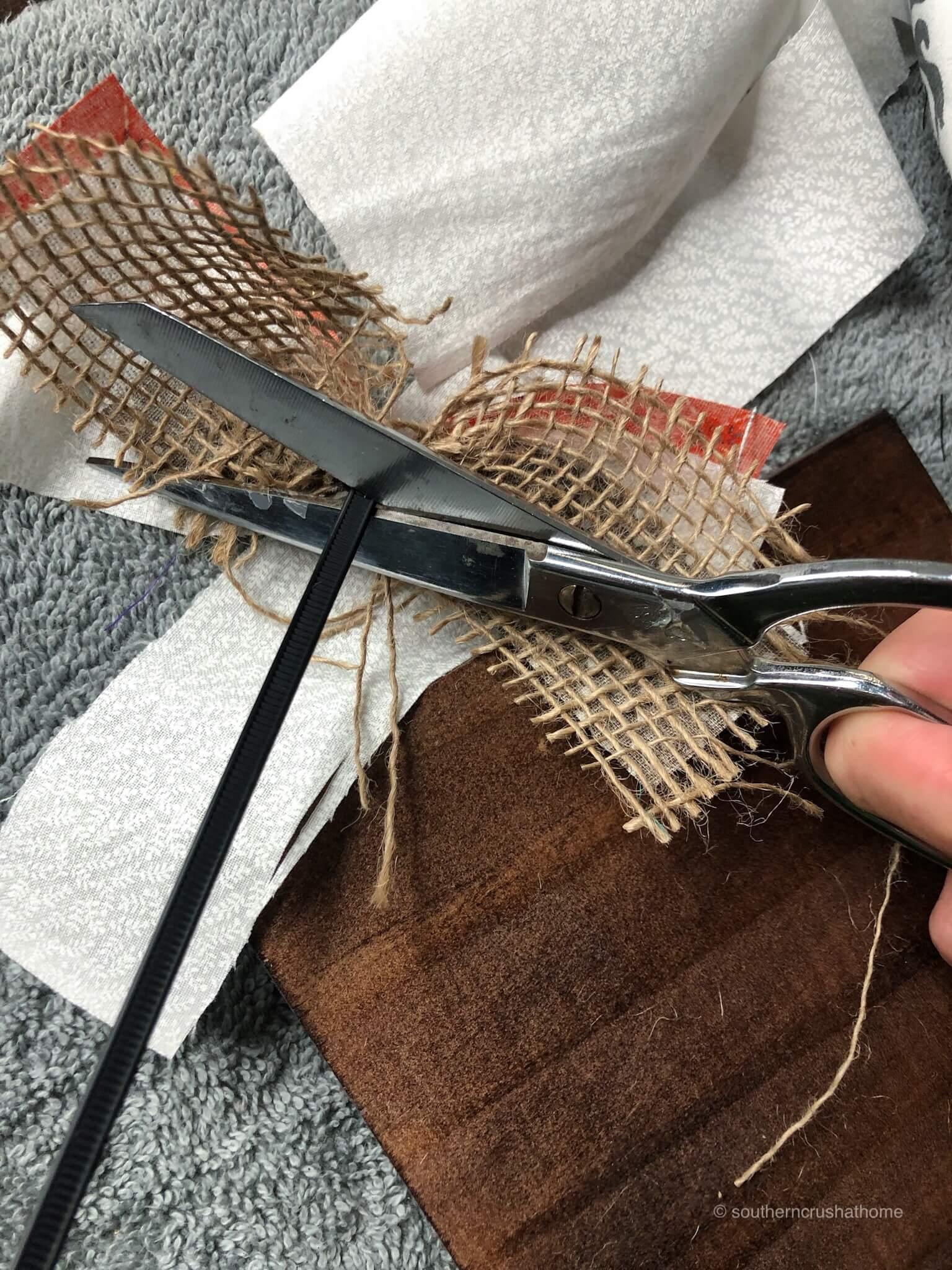 fall-wood-decor-block-cutting-zip-tie