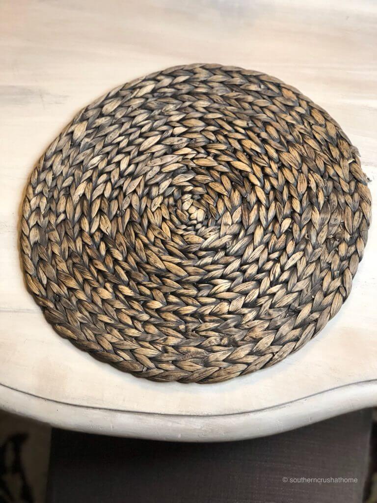 A woven place mat