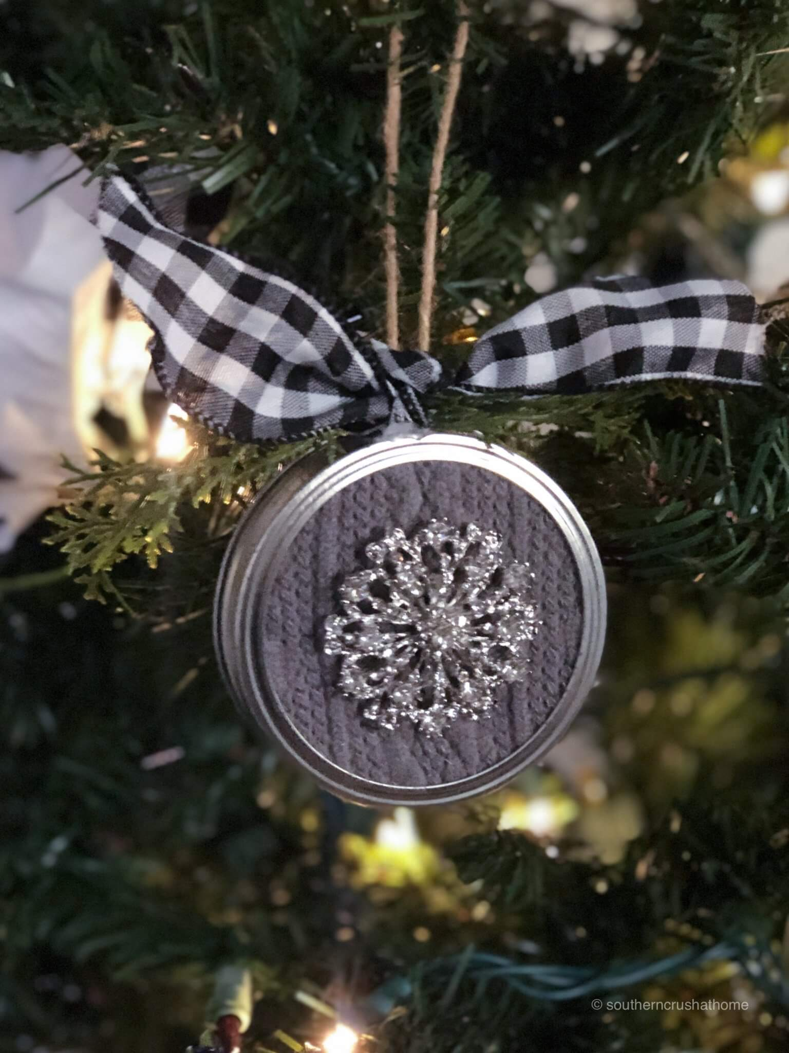 Easy Mason Jar Lid Ornaments For Christmas