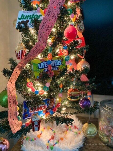 movie-theater-theme-christmas-tree-01