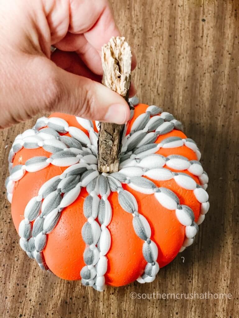 dt-mop-head-pumpkin-diy adding stick