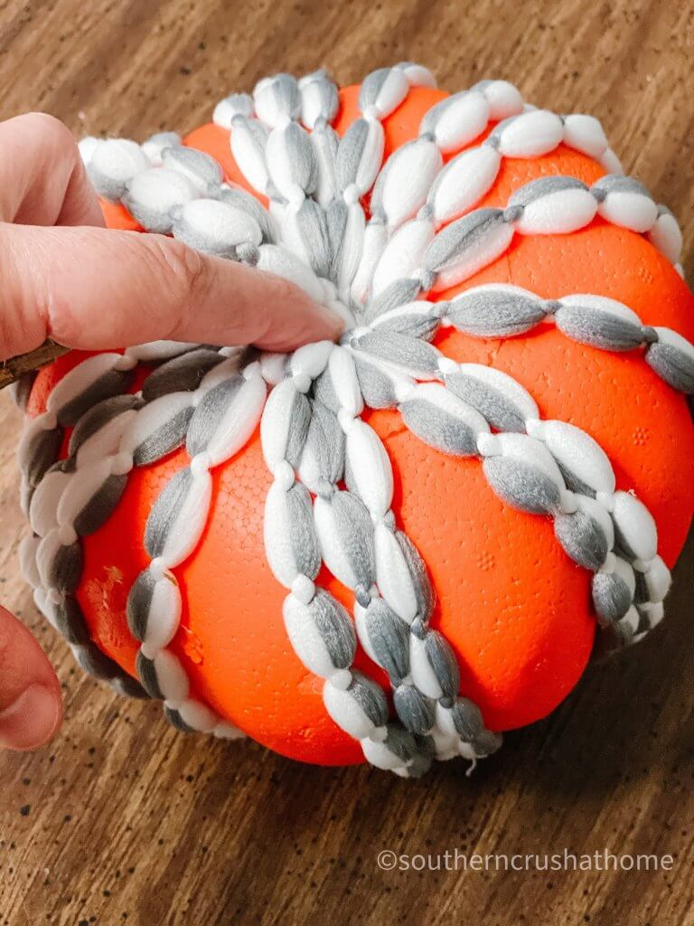 dt-mop-head-pumpkin-diy-tucking yarn