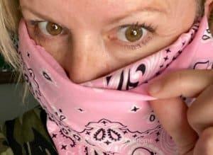 easy DIY no sew bandana face mask filter pocket