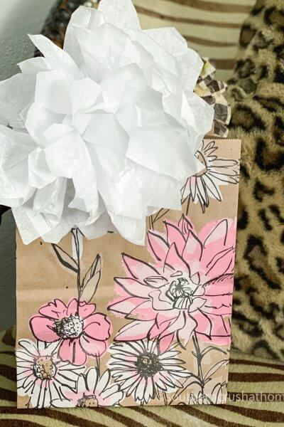 easy-gift-bow-using-tissue-paper white