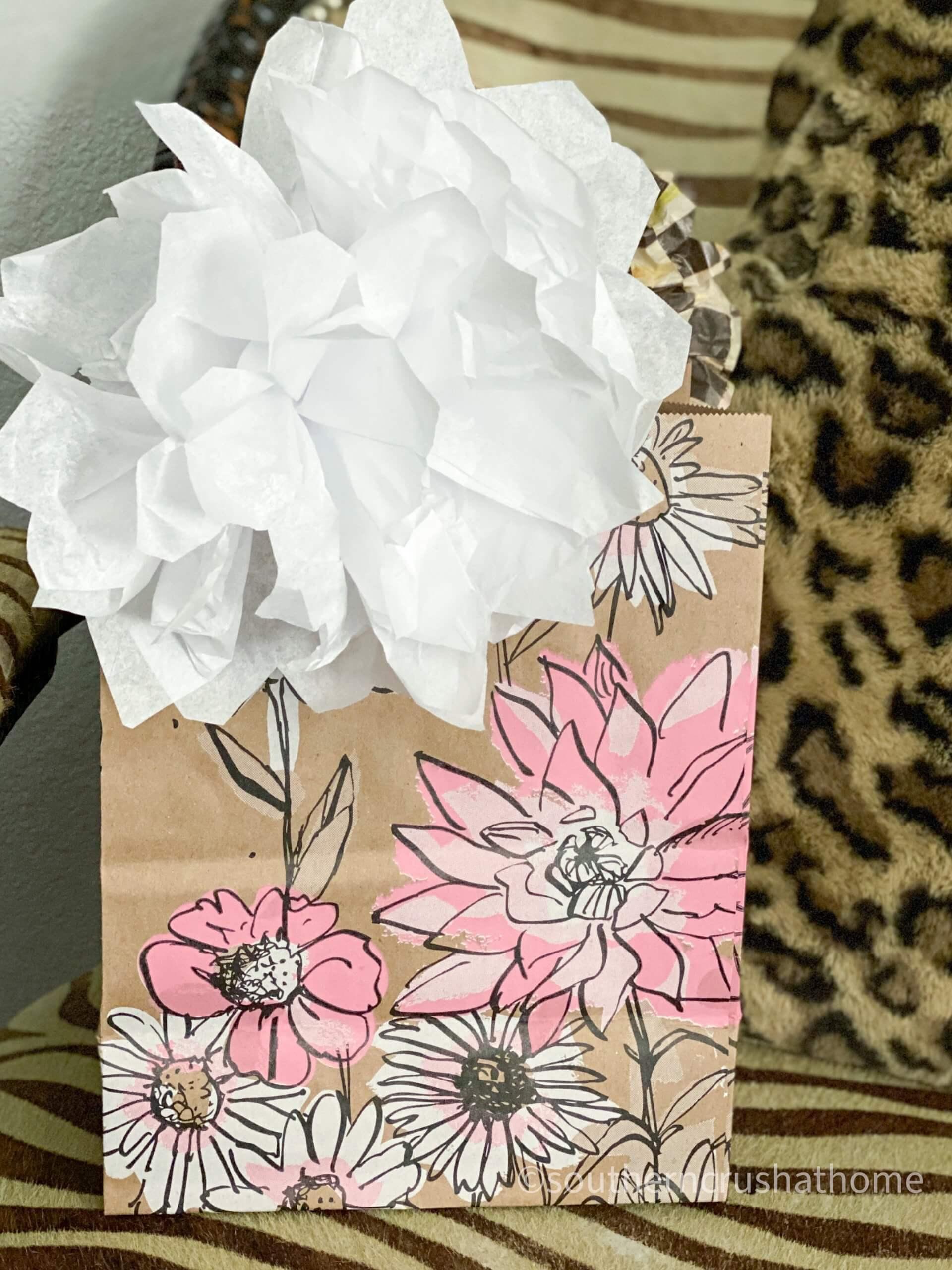 easy-gift-bow-using-tissue-paper white