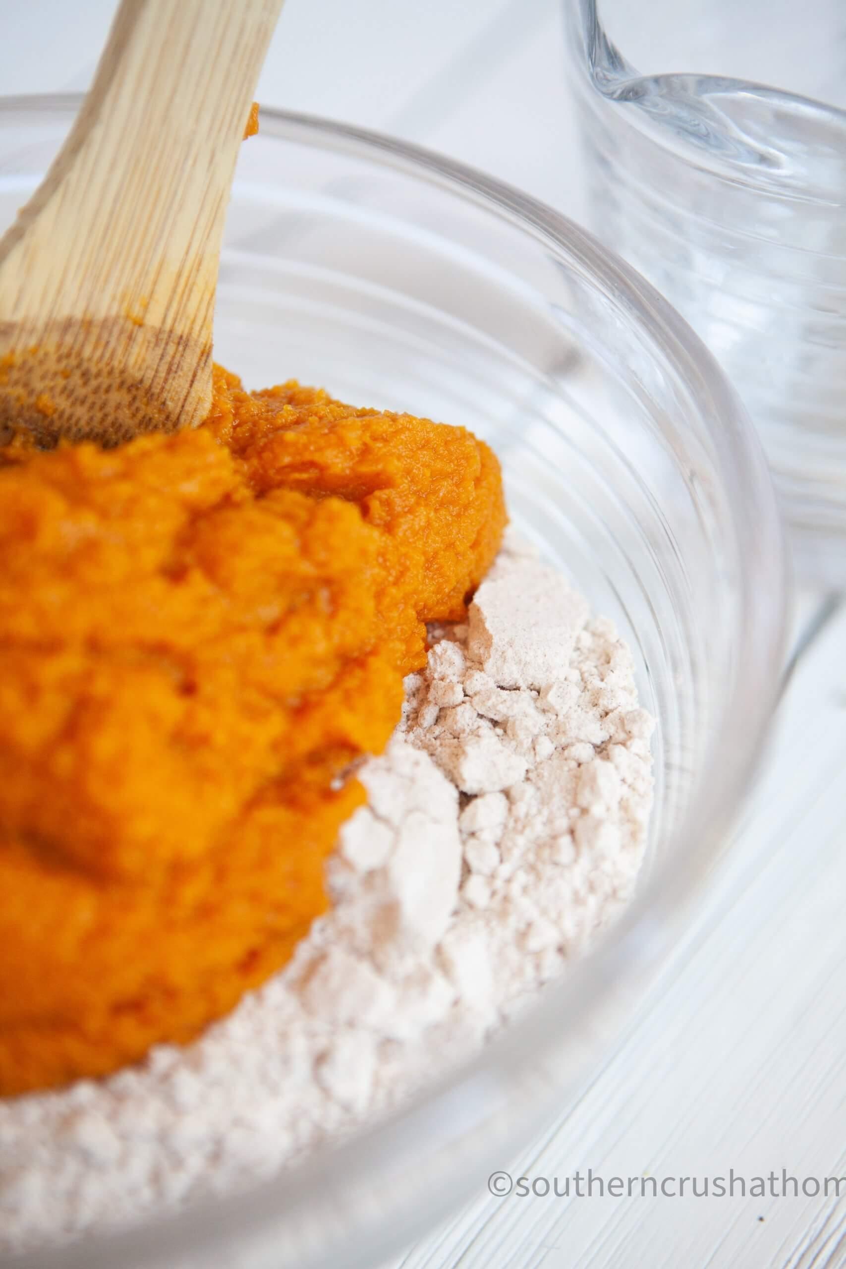 3 ingredient pumpkin muffins mixing up