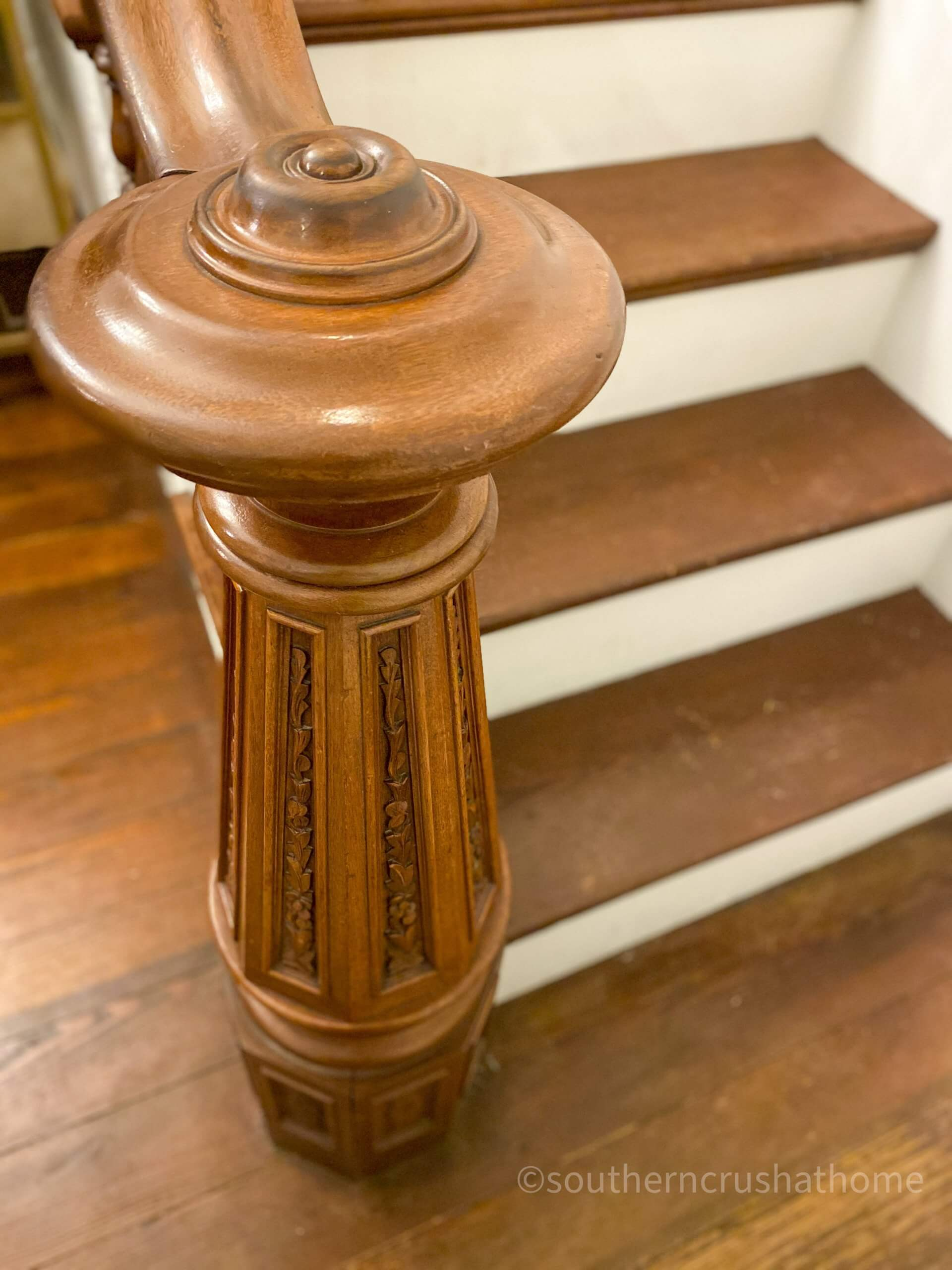 Bingham House Queen Wedding newel post