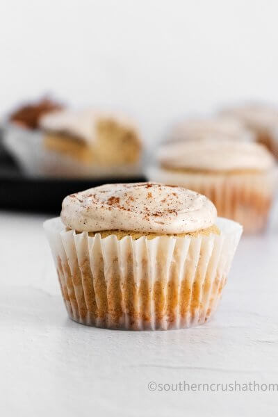 Cinnamon & Vanilla Bean Cupcakes close up