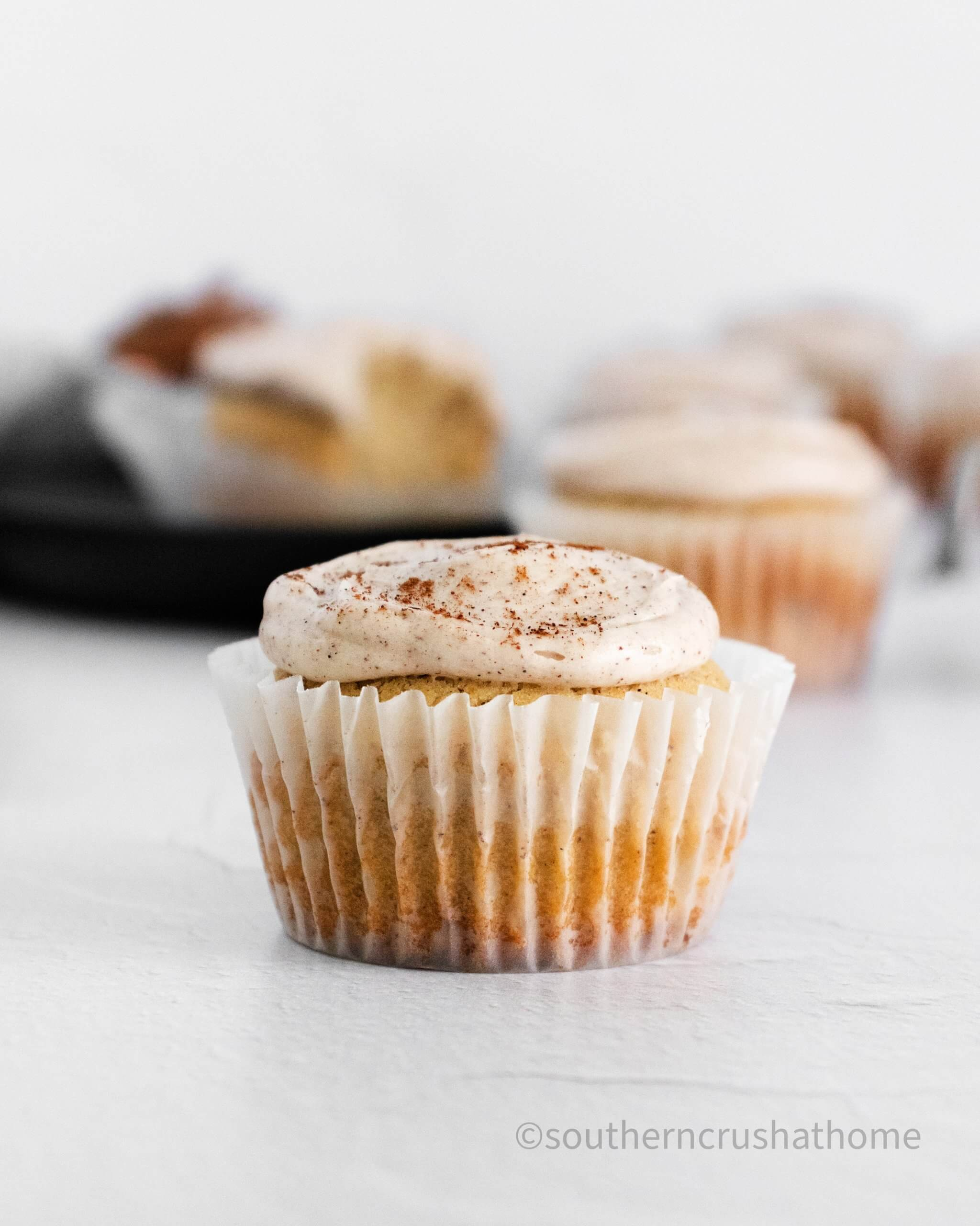Cinnamon & Vanilla Bean Cupcakes close up