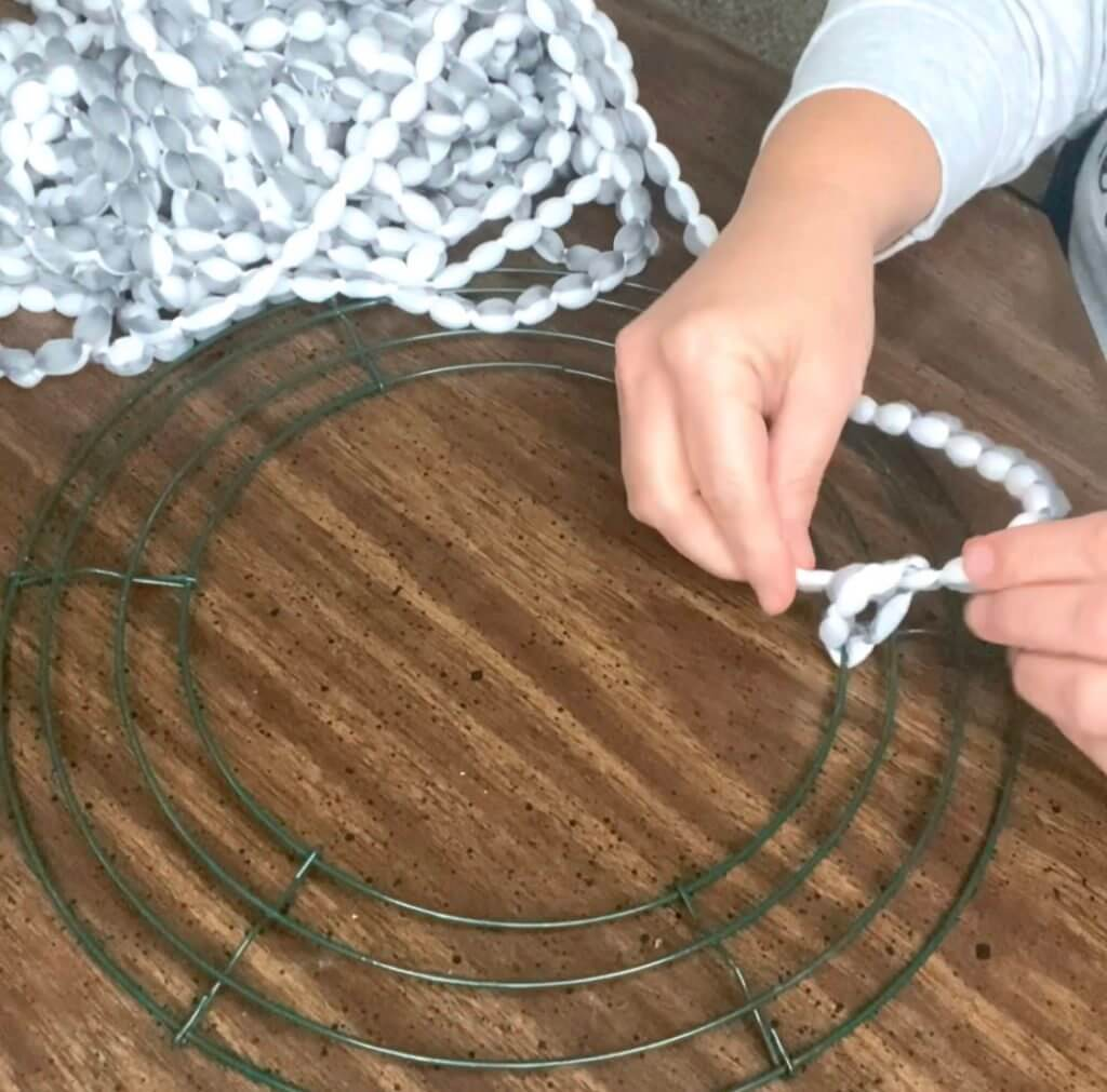 diy wreath tying starter knot