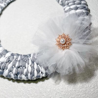 How to Make a $2 DIY Wreath with Easy Tulle Bow (using a Mop Head)