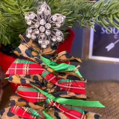 How to Make a Scrap Fabric Tree Ornament