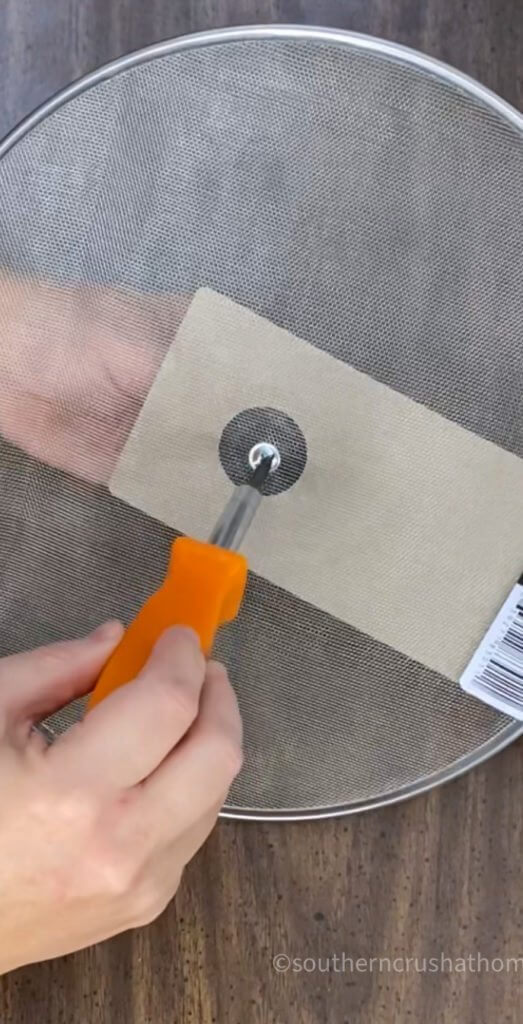 removing splatter screen knob handle