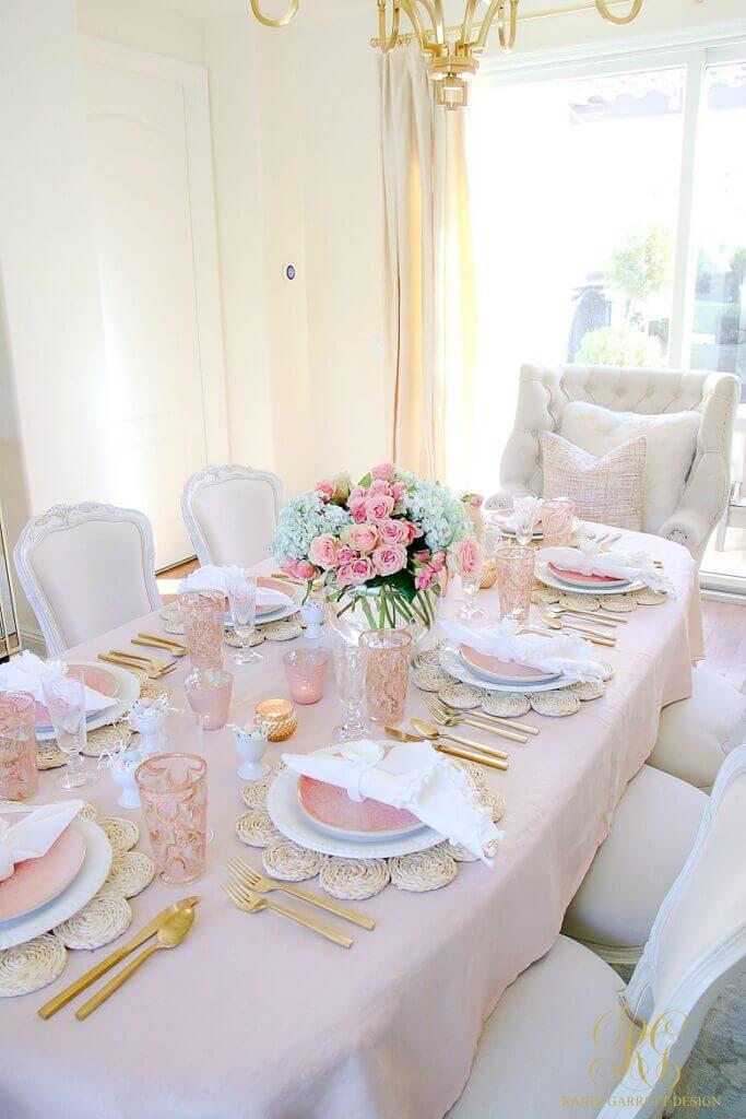 Gorgeous-Spring-Table-elegant-dining-room