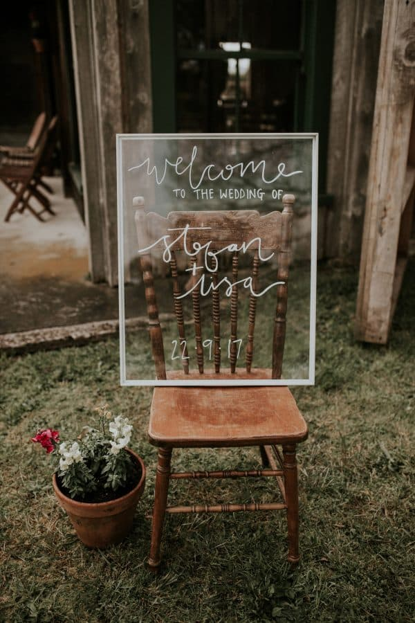 Picture-Frame-Glass-Wedding-Noticeboard-Hack