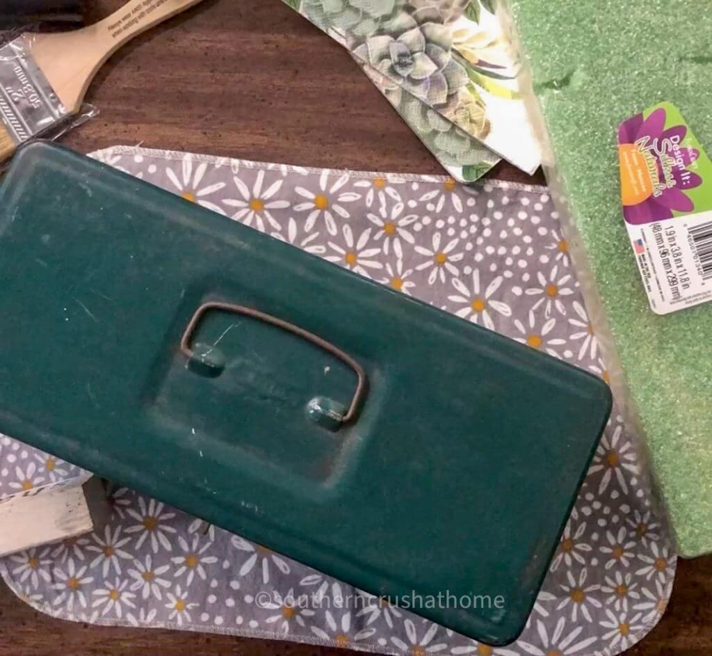 Vintage-Toolbox-Succulent Supplies