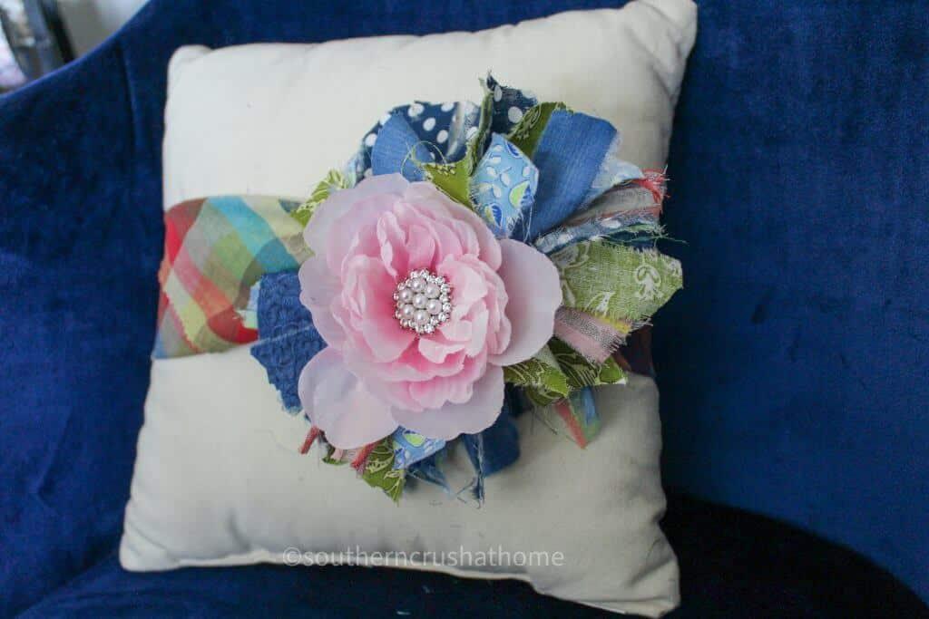 messy bow pillow wrap diy final