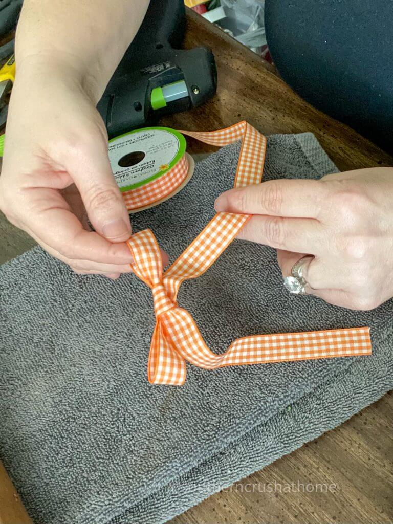 ribbon bow for easy ribbon decor