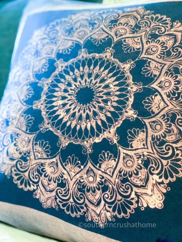 Reverse Tie Dye T-shirt Pillowcase close up