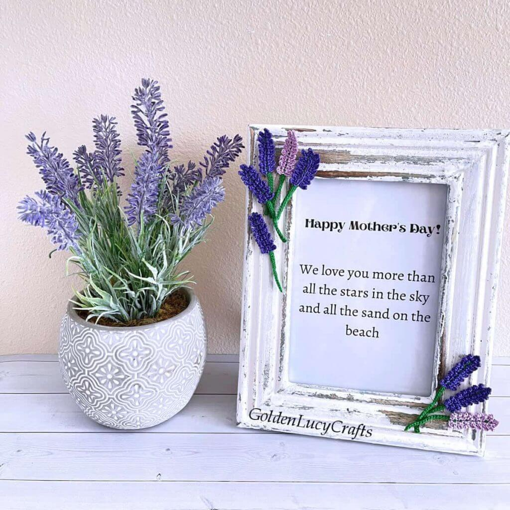 diy mother's day picture frame with lavender flowers