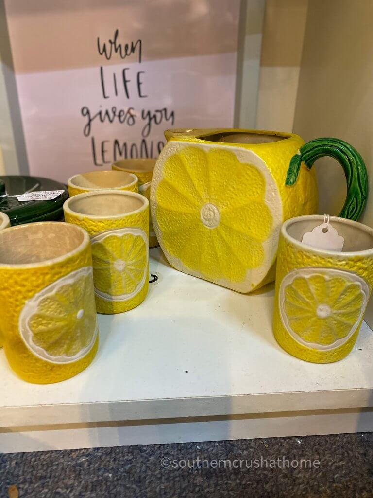 lemon set of pitcher and mugs