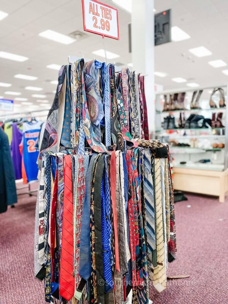 tie display
