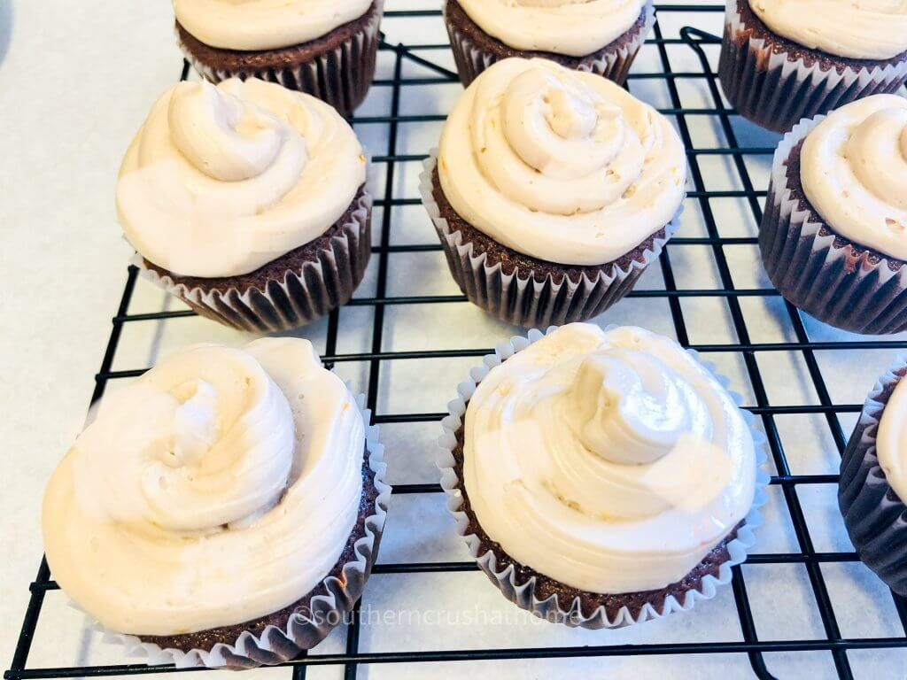 dr pepper cupcake cooling