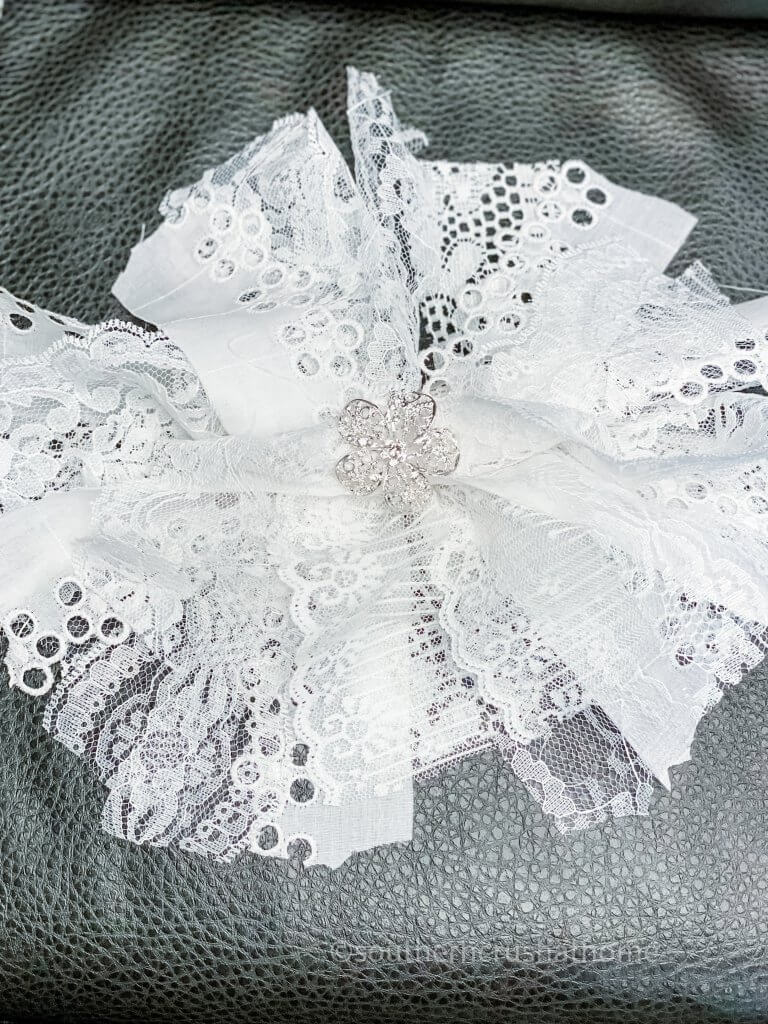lace messy bow finished