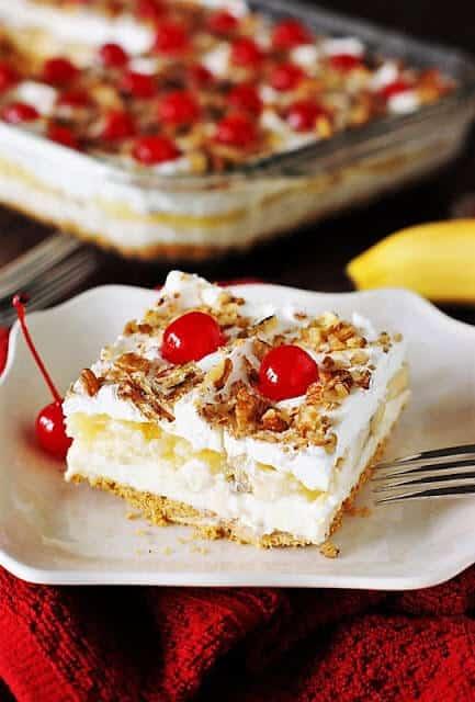 no-bake banana split cake