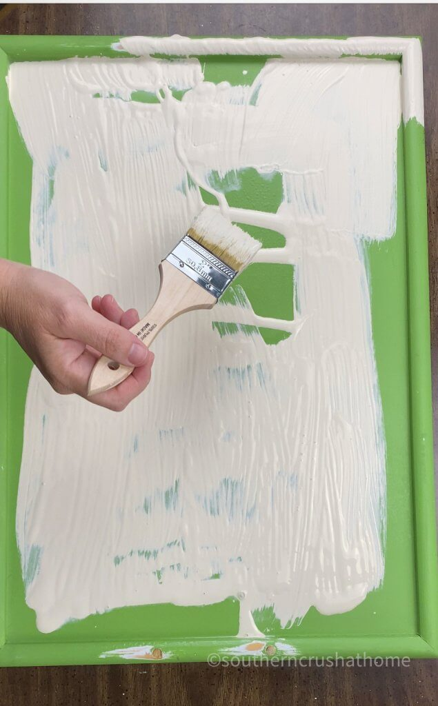 painting the wooden tray with chalk paint