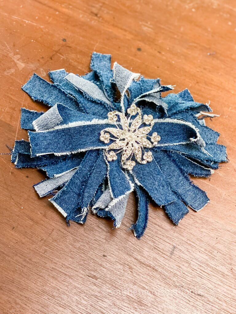 completed jean messy bow