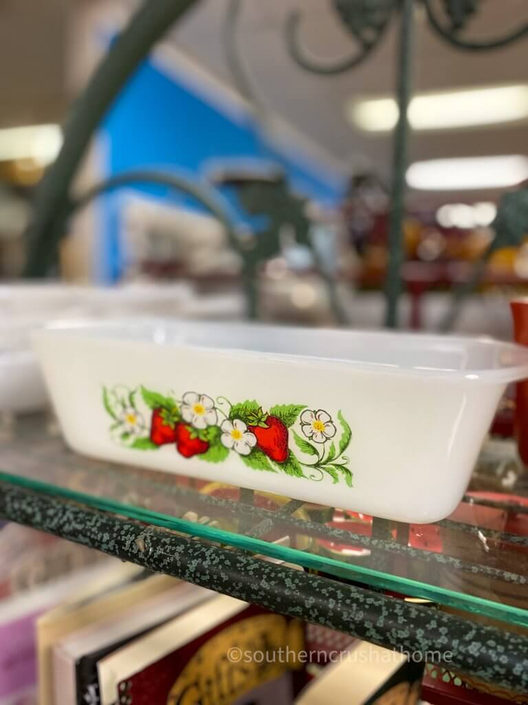 pyrex loaf dish with strawberries