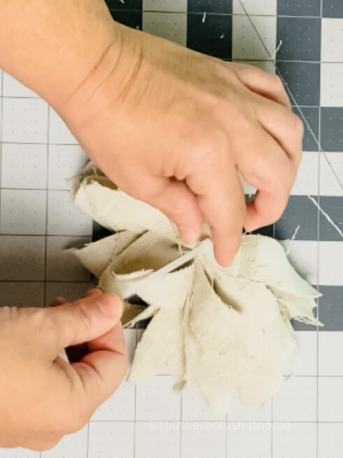 using zip tie to secure drop cloth messy bow