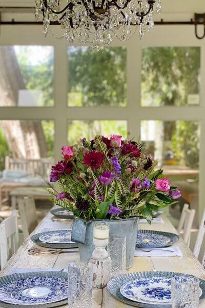 elegant summer tablescape