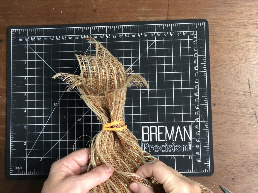 tying with a rubberband